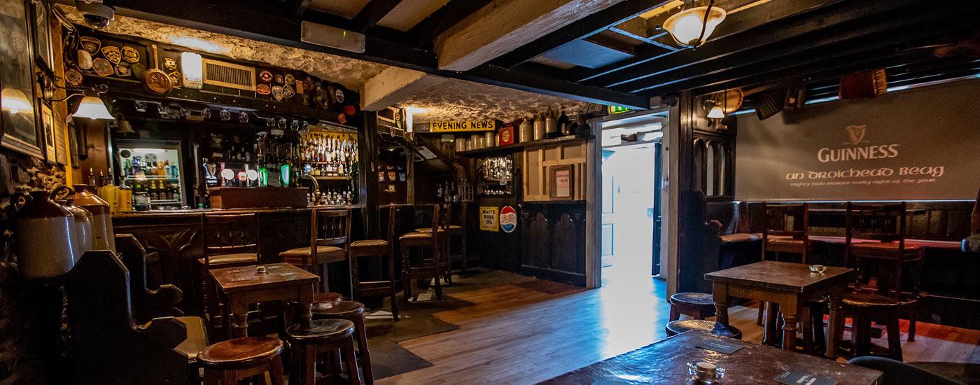 An Droichead Beag Bar Dingle