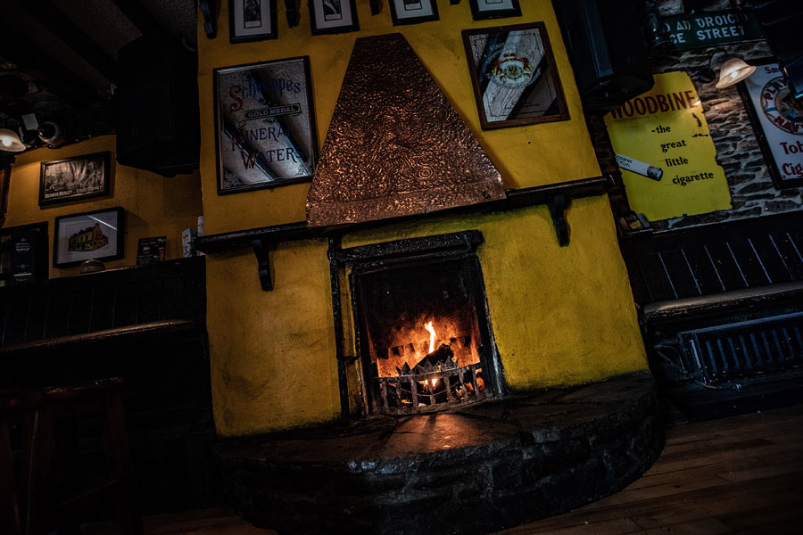 Cosy up to the fire in An Droichead Beag